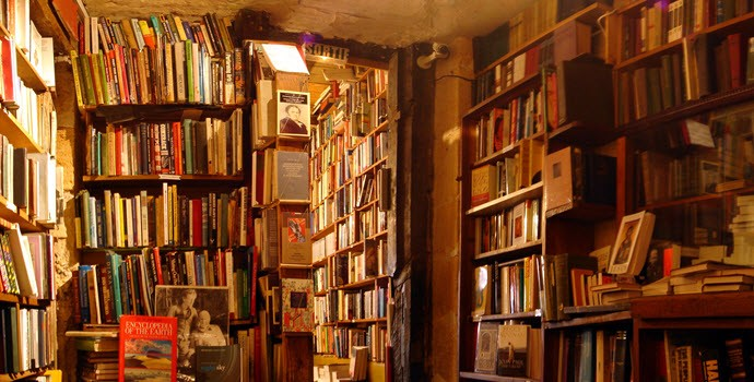 Shakespeare and Company Entrance